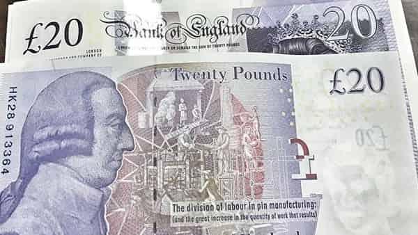 После трех тяжелых недель фунт стерлингов возобновил рост к основным мировым валютам